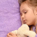 Как обучить малыша самостоятельному засыпанию? По какой методике?