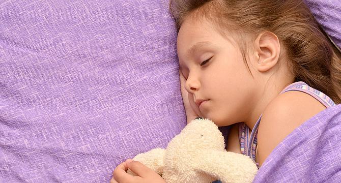 Как научить малыша самостоятельному засыпанию? По какой методике?